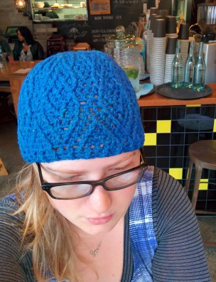blue diamond crochet beanie_20140615_124808
