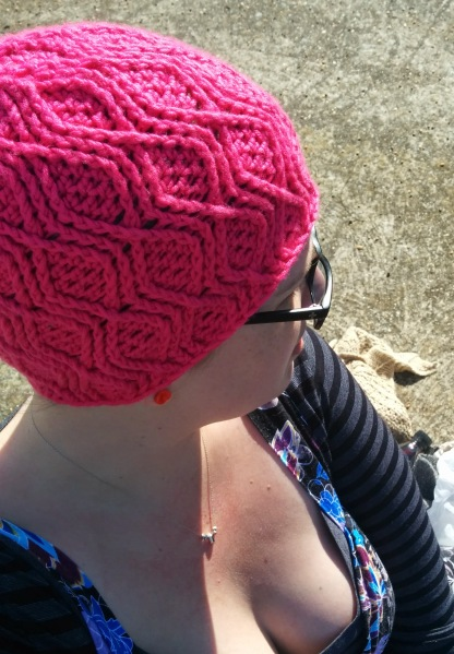 pink cable crochet beanie_20140831_133751